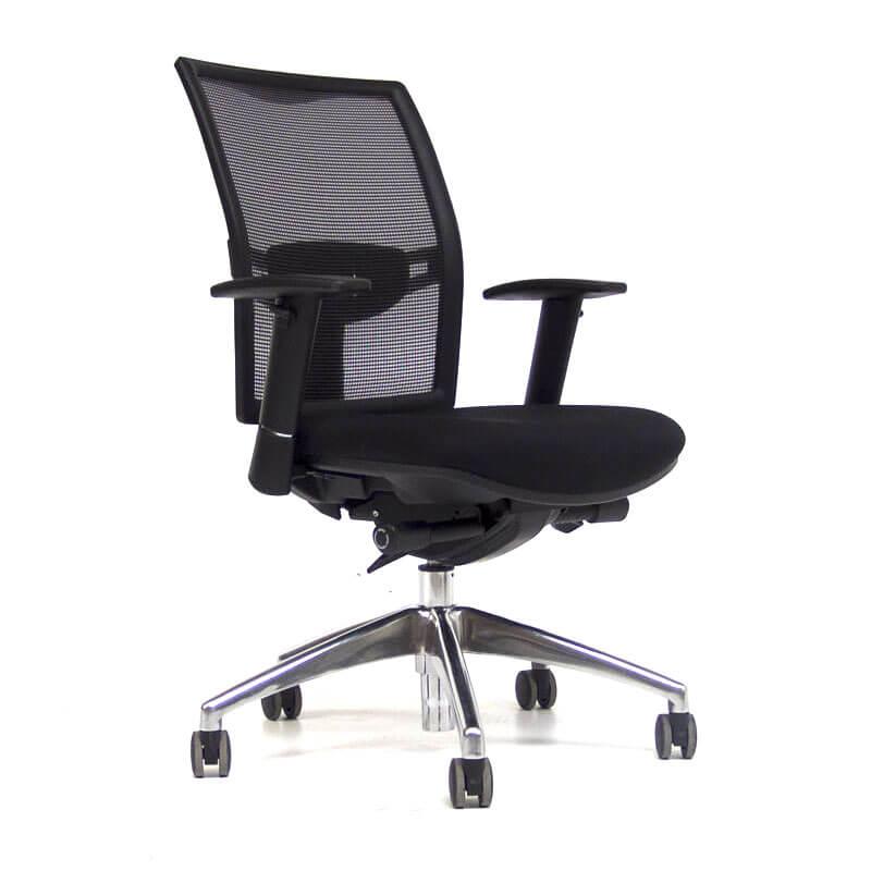 Gebruikte o.t. 02 bureaustoel met chromen kruisvoet