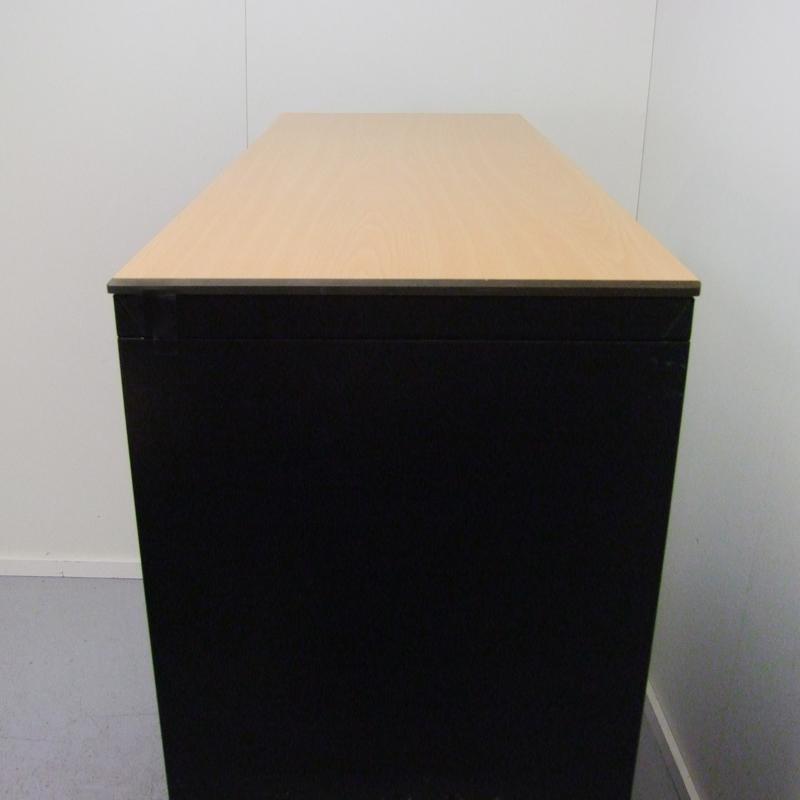 Zwart roldeurkast Officetopper