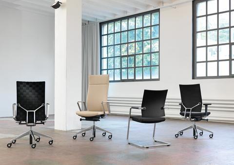 Diagon stoelen serie van Girsberger Officetopper