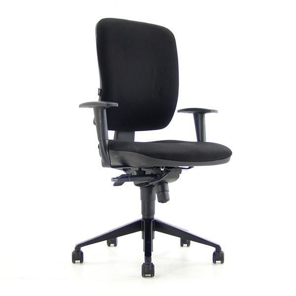 Gebruikte bureaustoel Beta zwart gestoffeerd