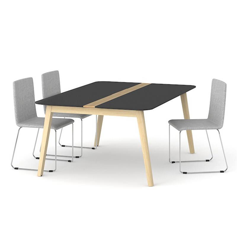 Vergadertafel houten onderstel