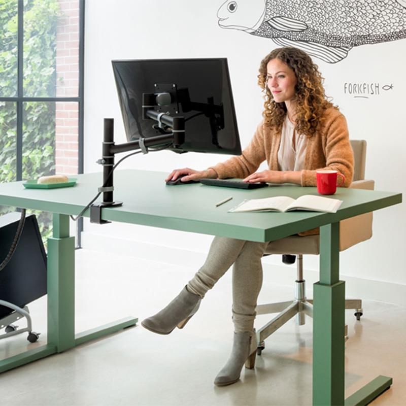 Officetopper-monitorarm-ViewGo