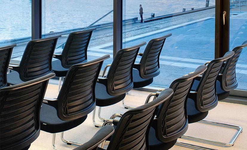 Conferentiestoel-Girsberger-Connexion-Officetopper-vergaderstoelen