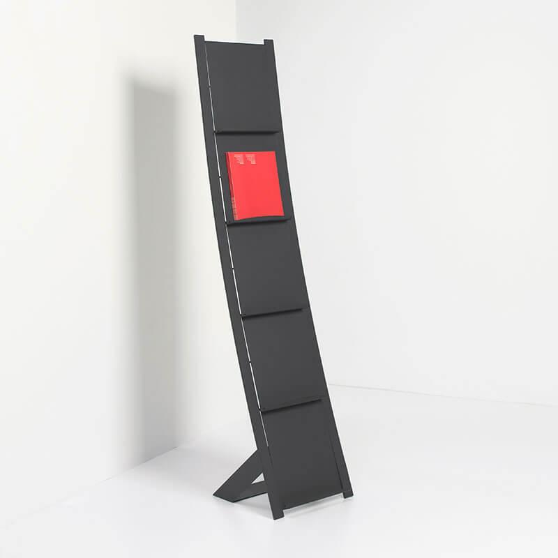 Zwarte stalen Brochurerek Prima Vista van van Esch Officetopper